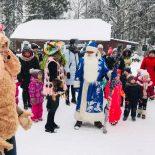 Воспитанники школы раннего развития «Зернышко» совершили новогоднюю поездку в д. Глуша
