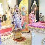 В канун Недели Крестопоклонной епископ Серафим совершил всенощное бдение с чином выноса Честного и Животворящего Креста Господня