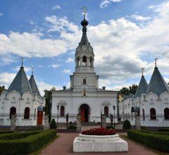 Архиерейская Божественная литургия в Георгиевском храме г. Бобруйска
