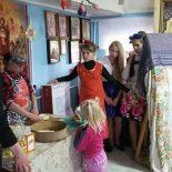Воспитанники Воскресной школы Покровского храма г. Кировска поздравили прихожан со светлым праздником Пасхи Христовой