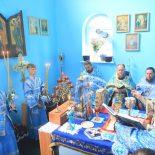 Архиерейская Божественная литургия в день 26-й годовщины освящения храма в Проще