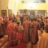 В Никольском кафедральном соборе совершено всенощное бдение с чином Воздвижения Креста Господня