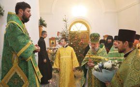 В день своего небесного покровителя епископ Серафим совершил Божественную литургию в Иверском храме Бобруйска