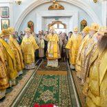 Епископ Серафим сослужил Патриаршему Экзарху за воскресной Божественной литургией в Свято-Духовом кафедральном соборе города Минска