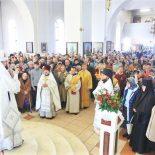 В Великую Субботу и день праздника Благовещения Пресвятой Богородицы епископ Серафим совершил литургию святителя Василия Великого