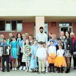 Воспитанники воскресной школы поздравили насельников Отделения круглосуточного пребывания в д. Вишневка с Пасхой