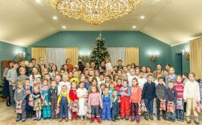 Театральная студия «Благовест» представила спектакль «Рождественская история» в Центре материнства «Покрова»