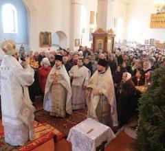 В день Богоявления епископ Серафим совершил Божественную литургию в Богоявленском храме Глуска