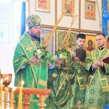 В день праздника Входа Господня в Иерусалим епископ Серафим совершил Божественную литургию в Троицком храме д. Турки