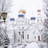 Воскресная Божественная литургия в Никольском кафедральном соборе.