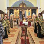 Епископ Серафим совершил первую в текущем году пассию с чтением акафиста Страстям Господним