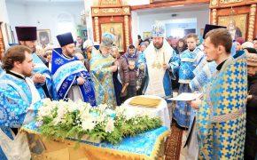 В день праздника Сретения Господня епископ Серафим совершил Божественную литургию в Сретенском храме Бобруйска