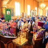 В Неделю Крестопоклонную епископ Серафим совершил Божественную литургию в Крестовоздвиженском храме г. Осиповичи