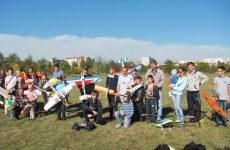 Воспитанники воскресной школы из Быхова приняли участие в 5-м городском открытом Фестивале авиамоделей «Могилевское небо»