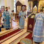 Накануне праздника Благовещения Пресвятой Богородицы епископ Серафим совершил всенощное бдение в Никольском кафедральном соборе