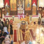 В Неделю 14-ю по Пятидесятнице епископ Серафим совершил Божественную литургию в Никольском кафедральном соборе