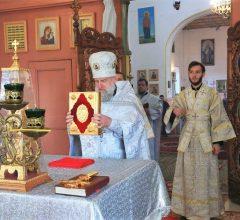 Епископ Серафим совершил Божественную литургию в Никольском храме д. Телуша