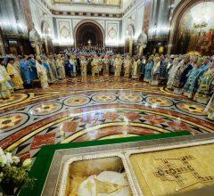Епископ Бобруйский и Быховский Серафим принял участие в торжественном богослужении в честь 100-летия восстановления Патриаршества