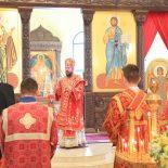 В Неделю о самаряныне епископ Серафим совершил Божественную литургию в Никольском кафедральном соборе