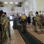 Епископ Серафим совершил последнюю в Великом посту Божественную литургию Преждеосвященных Даров