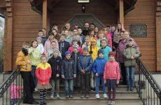 Воспитанники воскресной школы Никольского собора посетили храм «Целительница»