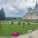 Паломники из Бобруйской епархии совершили поездку к святыням Молдавской митрополии