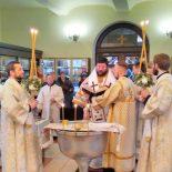 Епископ Серафим совершил Божественную литургию и великое освящение воды в крещенский сочельник