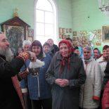 Священник поздравил инвалидов и пожилых людей с праздником Пасхи