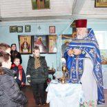 Настоятель Покровского храма г. Кировска провел для ребят из воскресной школы открытый урок об основах служения Божественной литургии