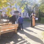 В день праздника Покрова Пресвятой Богородицы священник совершил молебен для подопечных ТЦСОН Ленинского района