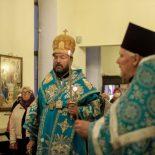 В канун праздника Покрова Пресвятой Богородицы епископ Серафим совершил торжественное вечернее богослужение в Никольском кафедральном соборе