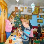 «Мастерская Деда Мороза» традиционно работала в Покровском храме Кировска